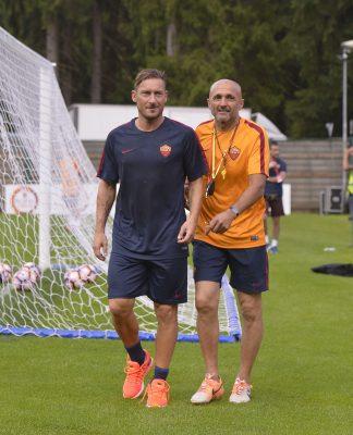 """Roma, parla Totti: """"E' il mio ultimo anno, voglio alzare un trofeo"""""""