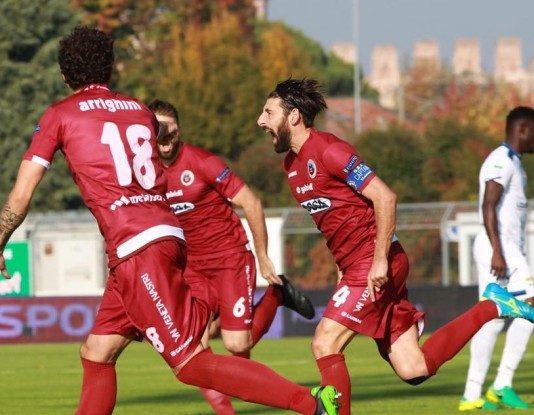 Serie B: Vincono Entella e Cittadella, pari tra Salernitana e Pisa