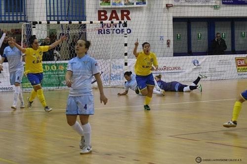 Esultanza Troiano (1-0)