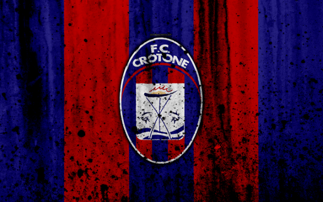 Serie A - Il Crotone chiede l'ammissione in sovrannumero