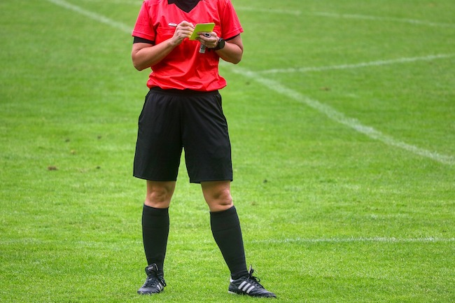 yellow card arbitro