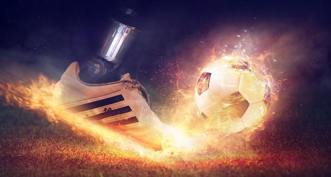 calcio pallone infuocato