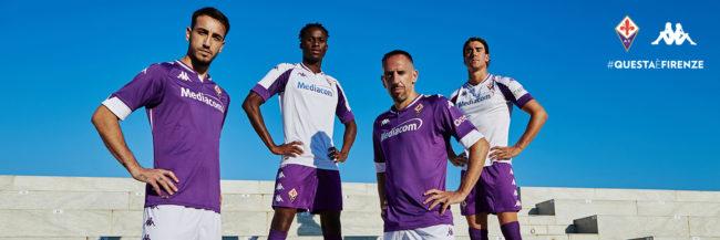 Fiorentina, presentate le maglie Kappa per la stagione 2020/2021